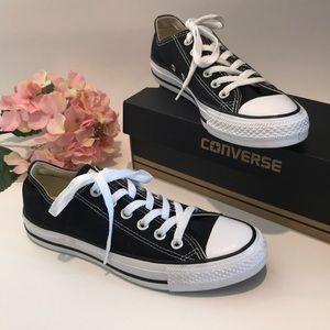 Black Converse Shoes 👟 Size 7